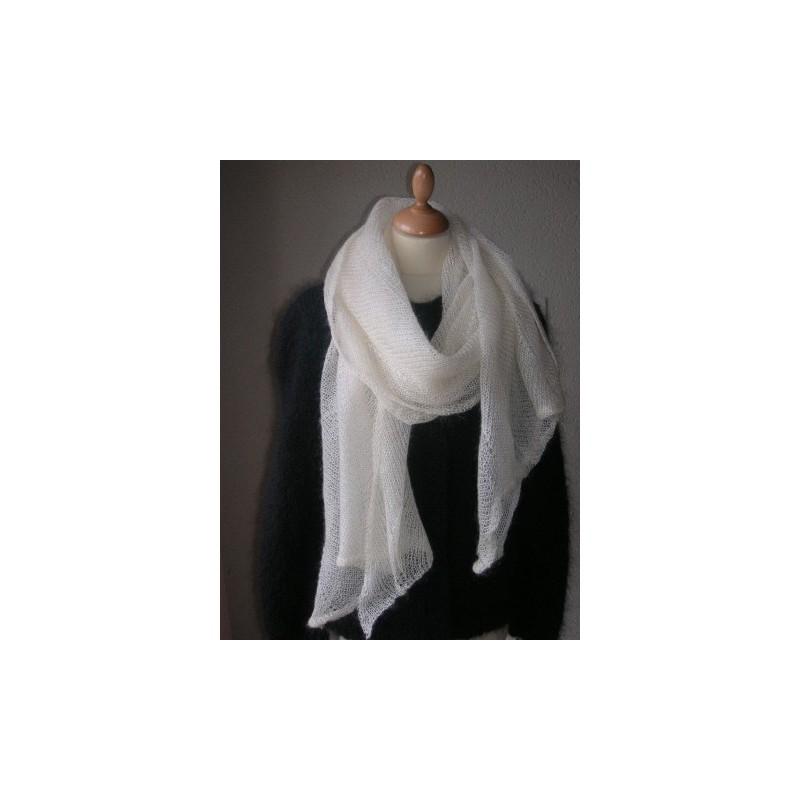 Etole dentelle tricotée en Mohair et Soie - LA BOUCLAINE 75b0aed06ad
